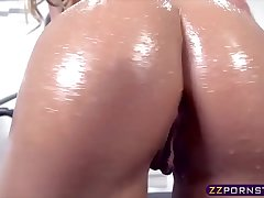 Oiled up workout chick gets fucked in her tight sporty ass