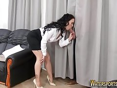 Horny babe gets peed on
