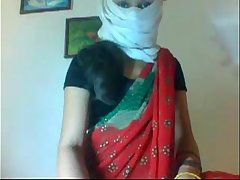 Desi married slim sexy girl removing her saree showing her sexy body clip0 7920