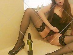 Sissy Asian Crossdresser Mimi Chen Fuck herself with wine bottle