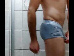 Gostoso safado batendo at&eacute_ gozar - gay cumshot