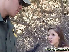 Taxi busted cop Latina Deepthroats on the Border