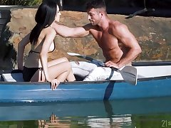 Dark-haired bimbo gets sodomized after a nice boat trip